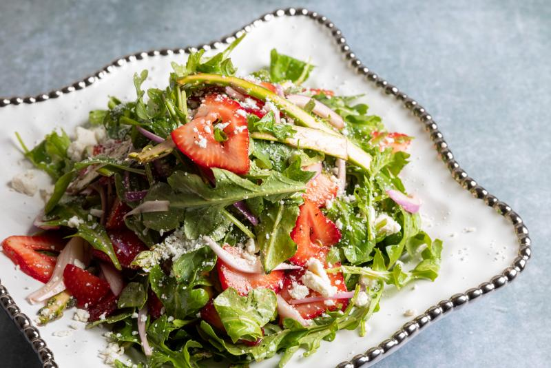 strawberry arugula salad