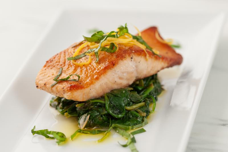 pan-roasted salmon with spinach and lemon