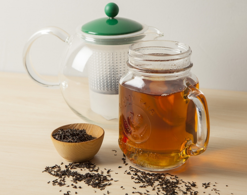 loose leaf tea and pot