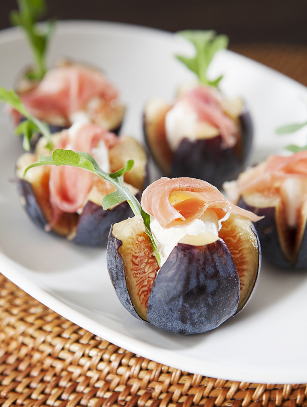 Nugget markets fig ch vre canap s recipe for Italian canape ideas