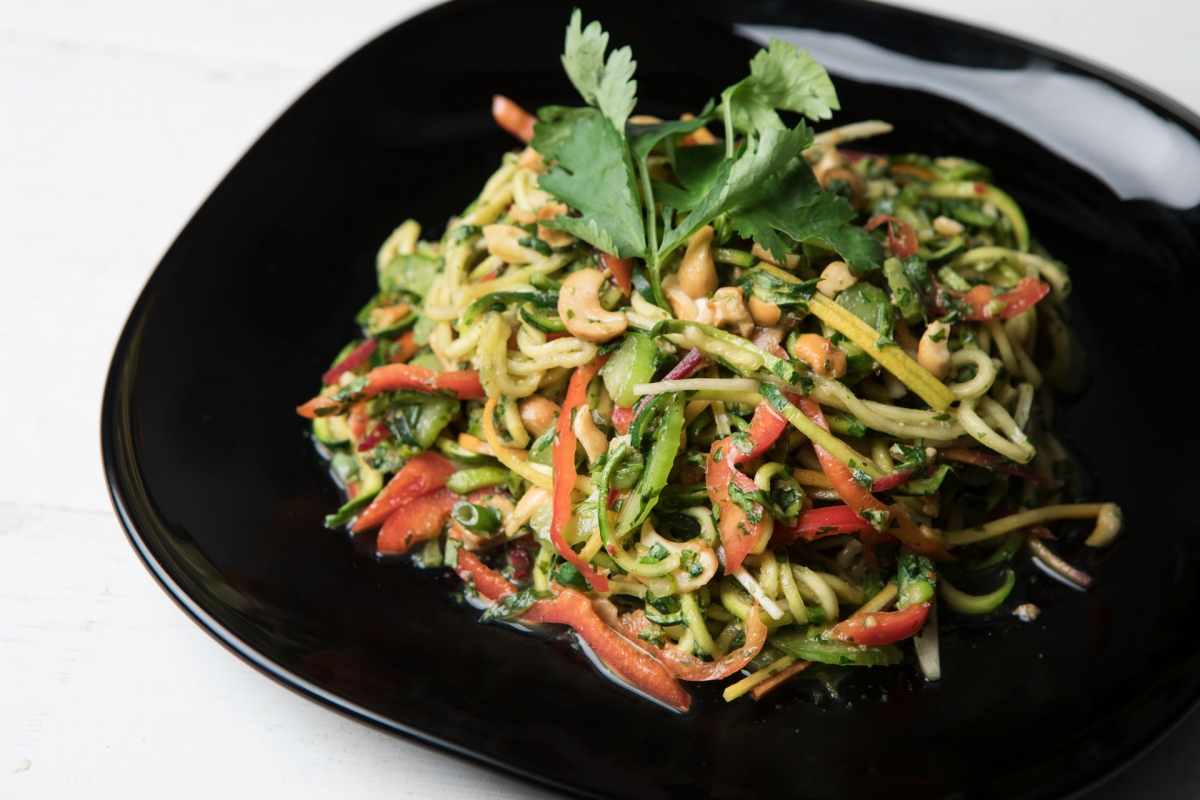 thai zoodle on a black plate
